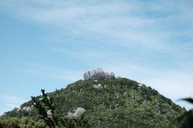 トウフ岩の写真